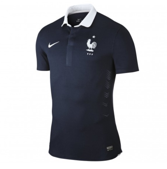 le nouveau maillot de l 39 quipe de france pour la coupe du monde 2014. Black Bedroom Furniture Sets. Home Design Ideas